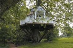 southern mansion treehouse...yes my future children need this!