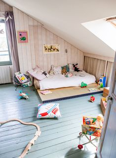A Cosy Attic Room - Petit & Small