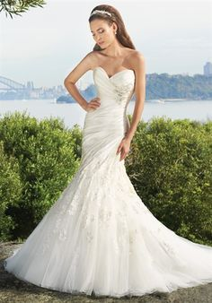 So pretty, Lace and Satin, 2 things i love!  Sophia Tolli