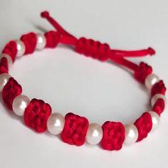 Diy Bracelets Video, Diy Bracelets Patterns, Diy Friendship Bracelets Patterns, Macrame Bracelet Patterns, Braided Bracelets, Handmade Bracelets, Diy Crafts Hacks, Diy Crafts Jewelry, Diy Crafts For Gifts