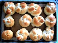 sesame seed hamburger bunsYou can find Hamburger spices and more on our website. Hamburger Spices, Hamburger Buns, Bagel, Doughnut, Seeds, Bread, Canning, Website, Desserts