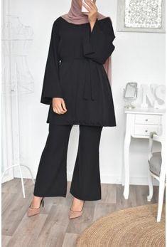 Ensemble femme, Ensemble pantalon et haut, tuniques longue Neyssa Shop - Neyssa Boutique Modest Fashion Hijab, Muslim Fashion, Fashion Outfits, New Long Dress, Beautiful Dress Designs, Sleeves Designs For Dresses, Outfit Look, Hot, Islamic Clothing