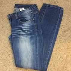Machine Jeans Size 9 Machine Jeans size 9 medium wash straight leg.  Only wore one time only washed on time. No trades No ️️. Jeans Straight Leg