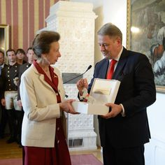 The Princess Royal has received an award for Outstanding Achievements in Horse Sports at a Ceremony at the Spanish Riding School of Vienna. The award is named 'Maestoso Superba' and represents a stallion performing a Levade - one the Spanish Riding School's most famous moves. HRH was 1971 European eventing champion and competed at the 1976 Olympics. She also spent 8 years as @fei_global President. via ✨ @padgram ✨(http://dl.padgram.com)