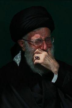 Sayed khamenei Islamic Images, Islamic Pictures, Roza Imam Hussain, Sad Girl Photography, Qasem Soleimani, Karbala Photography, Islamic Paintings, Love In Islam, Bravest Warriors