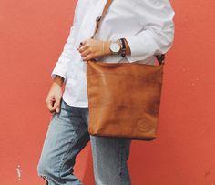 """Schlichte Eleganz ist für die Tasche """"Zahara"""" eine Selbstverständlichkeit. Leise und doch besonders schmückt sie Dich und macht Dich zum Blickfang auf der Straße. Gusti Leder - 2M45-29-1"""