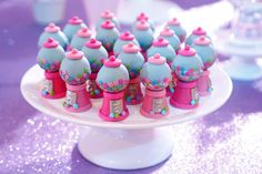 Bubble gum machine cake pops