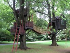 30 tree house/play structure/deck ideas!