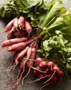 Radish relish recipe is an easy canning recipe you can make now and save for later. Radishes are also inexpensive at the farmers market! Easy Canning, Canning Recipes, Raw Food Recipes, Fruit And Veg, Fruits And Vegetables, Fresh Fruit, Root Veggies, Relish Recipes, In Season Produce