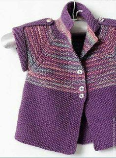 Knitting Patterns Girl Knitting by hand. Cardigan for the girl`s lilac Kids Knitting Patterns, Knitting For Kids, Knitting Designs, Baby Patterns, Baby Cardigan, Cardigan Bebe, Knit Baby Sweaters, Toddler Sweater, Crochet Baby