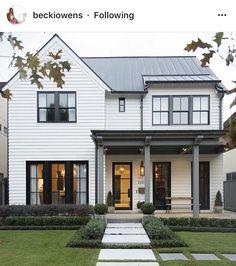 59 stylish home black and white house design exterior 1 Modern Farmhouse Exterior, White Farmhouse, Farmhouse Design, Farmhouse Style, Farmhouse Ideas, Craftsman Farmhouse, Exterior Paint, Exterior Design, Exterior Trim