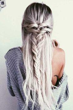 8. Frisur mit Zöpfen für langes Haar