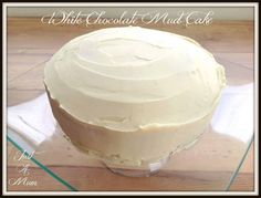 Delicious and decadent, this white chocolate mud cake is simply the best. With a delicious white chocolate ganache, it's a great occasion cake! I love experimenting with recipes that I haven't tried before. But some recipes I Dump Cake Recipes, Homemade Cake Recipes, Dessert Recipes, Baking Recipes, Desserts, Chocolate Ganache Icing, White Chocolate Mud Cake, Rich Cake, Easy Cheese