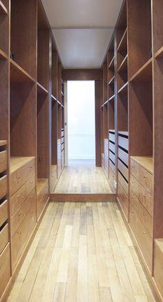Great walk through closet by A+B Kasha