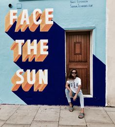I would love to know where this mural is. Murals Street Art, Graffiti Art, Mural Painting, Mural Art, Wall Murals, Art Et Design, Web Design, Typographie Inspiration, Facing The Sun