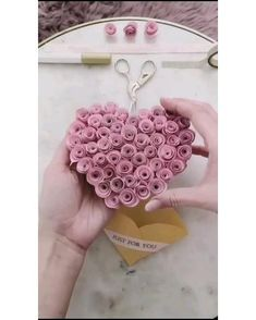 Diy Crafts Hacks, Diy Crafts For Gifts, Diy Home Crafts, Fun Crafts, Diy Gifts Videos, Paper Flowers Craft, Paper Crafts Origami, Easy Paper Crafts, Valentine Crafts