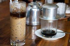 Vietnamesisk iskaffe ➙ Opskrift fra Valdemarsro.dk Cocktail Drinks, Cocktails, Coffee Maker, Give It To Me, Kitchen Appliances, Danish, Vietnam, Recipes, Foods