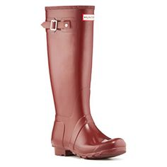 Legendary for comfort and fit. A general use boot, perfect for everything from shopping to walking the dog. Its design has won it iconic status and made it a must have fashion statement.
