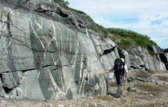 Geologists Find Remnants of Early Earth's Crust in Canada | Geology IN
