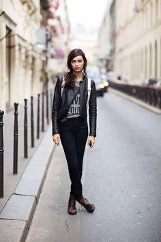 #LumaGrothe looking brilliant #offduty in Paris.