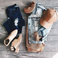Flat lay, fashion, style, women's style, JessaKae, ootd
