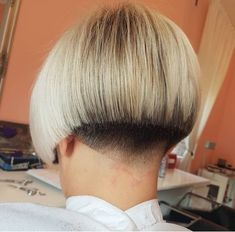 Sleek Straight Bob Hairstyle For African-American Hair - 20 Classic Bob Hairstyles to Flaunt This Season - The Trending Hairstyle Short Wedge Hairstyles, Stacked Bob Hairstyles, Short Bob Haircuts, Haircut Short, Shaved Bob, Shaved Nape, Bowl Haircut Women, Short Hair Cuts, Short Hair Styles