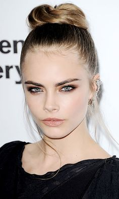 LE FASHION BLOG CARA DELEVINGNE JEWELED EAR CUFF SERPENTINE GALLERY ROMANTIC TOP KNOT BUN WISPY PIECES BLACK DRESS SMOKEY EYES BEAUTY MODEL STYLE HARRY STYLES 1