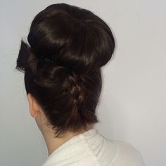 Bow tie and bun. Bridal Hairstyle, Hairstyle Ideas, Big Hair, Hair Bow, Something Beautiful, Hair Designs, Designers, Bows, Tie