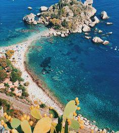 Na světě stále existuje spousta míst, kam turisté nejezdí. Prozkoumejte s námi neskutečně krásná místa a třeba budete jedni z prvních objevitelů. Sunny Sunday, Sicily, Gopro, River, Holiday, Outdoor, Instagram, Outdoors, Vacations