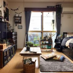 Storage ideas and original decoration for student room - Decoration, Room Decoration, Decoration Appartement, Home Decor, Bedroom Decor Small Apartment Bedrooms, Guest Bedrooms, Small Apartments, Small Spaces, Japan Apartment, Student Room, Small Room Design, Decoration Originale, Cozy Room