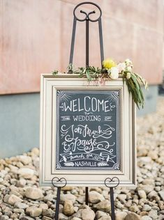 12 Adorable Wedding Signs that Add a Unique and Personal Touch - MODwedding
