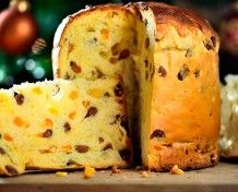 Discover the Italian Panettone recipe, Dessert to be made easily with . Italian Dishes, Italian Recipes, Panettone Rezept, Stollen Bread, Italian Panettone, Baking Recipes, Dessert Recipes, Russian Recipes, Easter Recipes