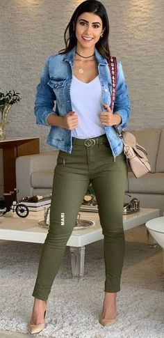 Incredible Olive Green Pants Outfit to Copy - Fashion, Home decorating - Incredible Olive Green Pants Outfit to Copy – Fashion, Home decorating Source by jacquiemcqueen - Casual Work Outfits, Mode Outfits, Chic Outfits, Trendy Outfits, Fall Outfits, Fashion Outfits, Womens Fashion, Fashion Trends, Woman Outfits
