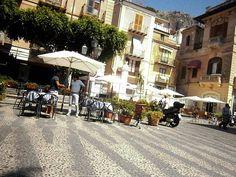 Walking around..  :) #cefalu #sicily #sun #sea #hotel #resort #urlaub #sizilien #holidays #vacanze