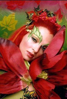 Poison Ivy Movie, Dc Poison Ivy, Poison Ivy Dc Comics, Uma Thurman Batman, Poison Ivy Halloween Costume, Halloween Costumes, Halloween 2020, Halloween Ideas, Uma Thurman Poison Ivy