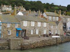 lovely little rental...17th Century harbour-front former net loft in Mousehole