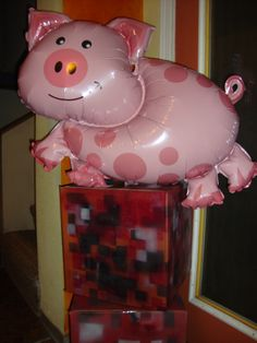 pig balloons for Minecraft theme
