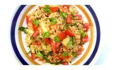 Kisir recept - török bulgur köret Fried Rice, Quinoa, Chili, Fries, Ethnic Recipes, Food, Bulgur, Red Peppers, Chilis