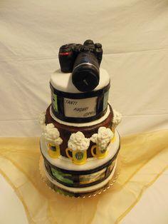 Torta con macchina fotografica Nikon, Cakes, Feltro, Cream, Food Cakes, Cake Makers, Kuchen, Cake, Pastries