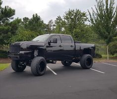 Love this truck I want it when I and 16 and can drive!