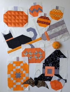 Pat sloan witch block 1 to 8 single Fall Sewing Projects, Quilting Projects, Quilting Designs, Sewing Crafts, Halloween Quilt Patterns, Halloween Quilts, Fall Patterns, Halloween Sewing, Halloween Crafts