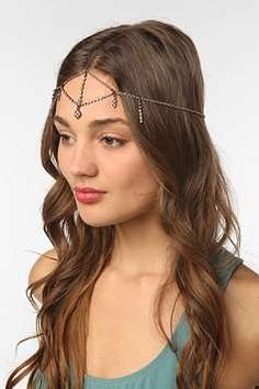 Heavenly Crown Accessories  The Urban Outfitters Headdress is Chic and 60s-Inspired