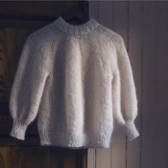 Ravelry: Saturday Night Sweater pattern by PetiteKnit Knitting Designs, Knitting Patterns, Handgestrickte Pullover, Icelandic Sweaters, Dirty Dancing, Hand Knitted Sweaters, Stockinette, Saturday Night, Hand Knitting