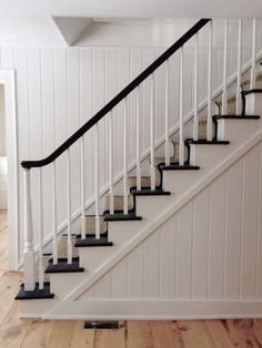My House: Staircase Before & After - New Deko Sites White Staircase, Staircase Runner, House Staircase, Staircase Remodel, Staircase Makeover, Staircase Railings, Modern Staircase, Staircase Design, Staircase Diy
