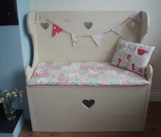 Painted Pine Settle/Monks Bench/Storage Seat Shabby Chic ?