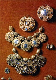 "Russian jewels of the 12th century. The big necklace is so called ""barmy"" that was the sign of nobles. Historically barmy is of Byzantium origin and came to Russia with the first embassies and brides to Russian Princes from Low Empire."
