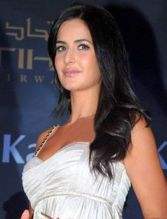 Katrina Kaif happy with her relation being an open secret!