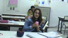 ENSCONDIMOVILEAR: coger el móvil en clase sin que el profesor lo note. IES Tamujal, Arroyo de San Serván.