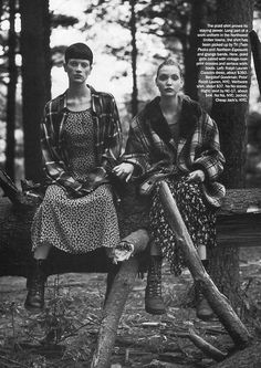 """Shot by Steven Meisel, this editorial, titled """"Grunge & Glory"""" was originally published in US Vogue Dec. 1992, with Kristen McMenamy, Naomi Campbell, and Nadja Auermann. 94916_ph.steven_meisel-grunge_and_glory-6_122_180lo"""