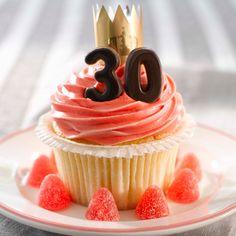 Vanilla cupcakes! Vanilla Cupcakes, Frisk, Frosting, Muffins, Cookies, Baking, Eat, Desserts, Food